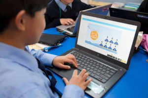 Students at St MIchael's Catholic Primary School Daceyville learning Japanese online